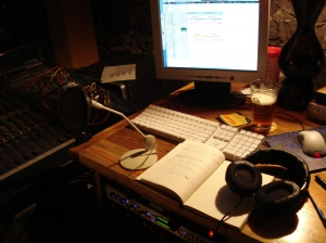 My view for this week's vocals a la ZZ Top. That's a Fat Tire Ale, btw. Very important detail.